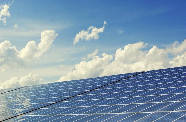 Duurzaam ondernemen met zonnepanelen op bedrijfspand